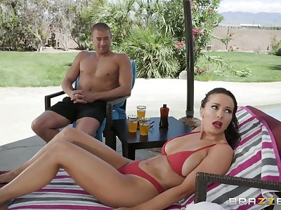 outside fuck and a blowjob are fantasies of horny girl Abigail Mac