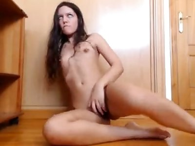 Leave flat and horny floozie has made her own solo misapply video